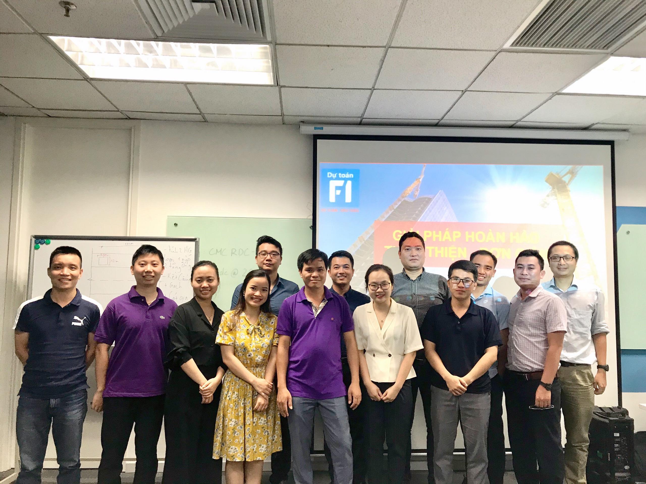 Đào tạo dự toán theo yêu cầu cho Doanh nghiệp tại công ty Viễn thông CMC tại Hà Nội